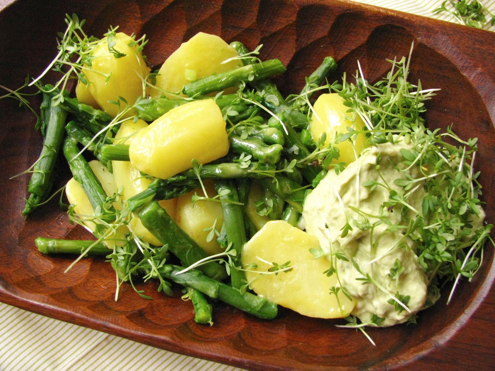 zemiakovo sparglovy salat