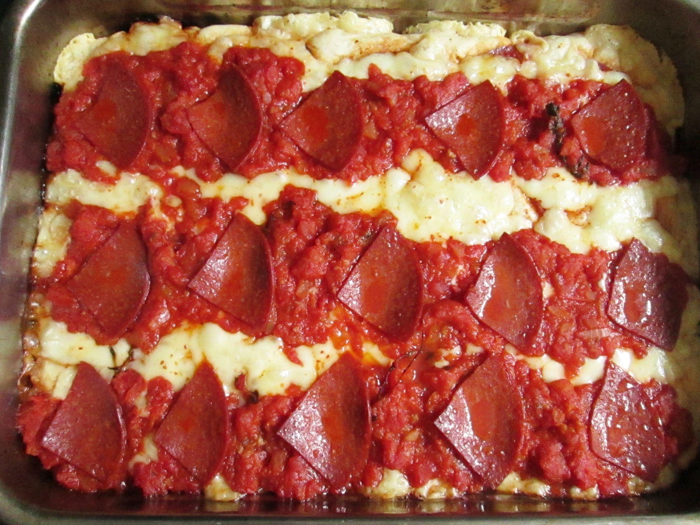 d774f1078fab1 Akú už len v Amerike vedia robiť pizzu. No neviem, jediné americké, ktoré  som jedla boli v Mníchove v PizzeHut a pravdupovediac nechutili mi.